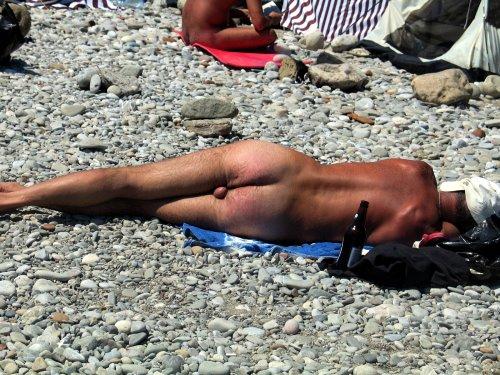 Дикий пляж в крыму видео со скрытой камеры